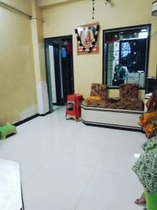 Gallery Cover Image of 250 Sq.ft 1 RK Apartment for rent in Kalyan West for 4000