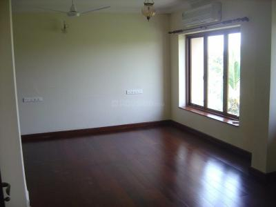 Gallery Cover Image of 1600 Sq.ft 3 BHK Apartment for rent in Juhu for 200000