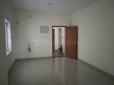 Gallery Cover Image of 1024 Sq.ft 2 BHK Apartment for buy in Pallikaranai for 5426176