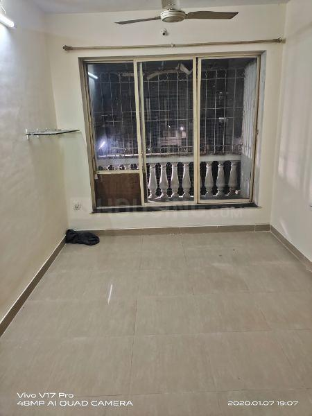Living Room Image of 650 Sq.ft 2 BHK Apartment for rent in Kandivali East for 27000