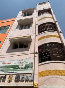 Gallery Cover Image of 600 Sq.ft 1 BHK Independent House for buy in Arumbakkam for 11000000
