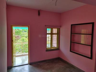Gallery Cover Image of 950 Sq.ft 2 BHK Apartment for rent in Golf Green Urban Complex, Golf Green for 18000
