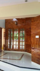Gallery Cover Image of 2600 Sq.ft 3 BHK Apartment for buy in Kudappanakunnu for 10000000