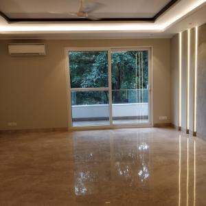 Gallery Cover Image of 1800 Sq.ft 3 BHK Apartment for buy in Safdarjung Development Area for 47500000