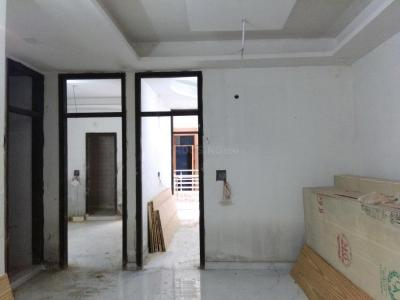 Gallery Cover Image of 900 Sq.ft 3 BHK Apartment for buy in Sector 105 for 3500000