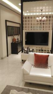 Gallery Cover Image of 1500 Sq.ft 3 BHK Apartment for buy in Erragadda for 12000000