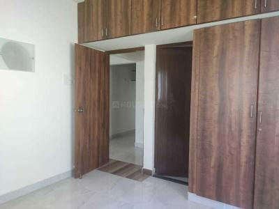 Gallery Cover Image of 1350 Sq.ft 2 BHK Apartment for rent in Thoraipakkam for 16000