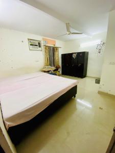 Bedroom Image of PG 7113775 Gulmohar Park in Gulmohar Park