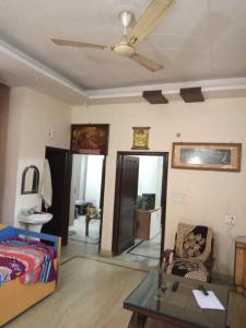 Gallery Cover Image of 1250 Sq.ft 3 BHK Independent Floor for buy in Raj Nagar for 8700000