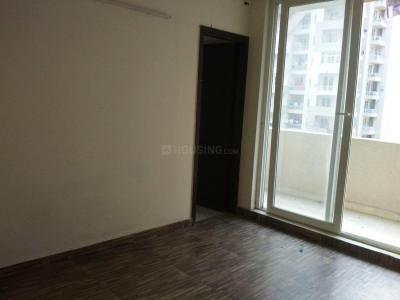 Gallery Cover Image of 1800 Sq.ft 3 BHK Apartment for rent in Zeta I Greater Noida for 18000