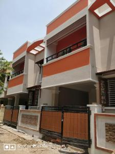 Gallery Cover Image of 1380 Sq.ft 3 BHK Independent House for buy in Medavakkam for 7500000