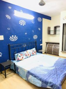 Gallery Cover Image of 1278 Sq.ft 2 BHK Apartment for rent in Vastrapur for 22000