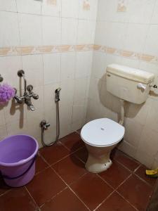 Bathroom Image of PG Life in Airoli