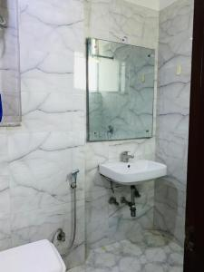 Bathroom Image of PG 4441261 Hauz Khas in Hauz Khas