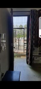 Gallery Cover Image of 850 Sq.ft 1 BHK Independent Floor for rent in Sector 41 for 19000