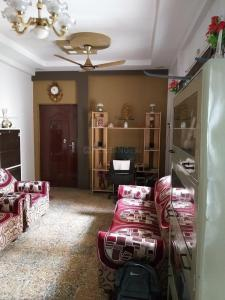 Gallery Cover Image of 620 Sq.ft 1 BHK Apartment for buy in Reshim Bagh for 2800000