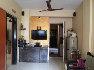 Gallery Cover Image of 700 Sq.ft 1 BHK Apartment for rent in Kalpataru Nirali Park, Thane West for 20000
