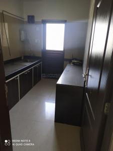 Gallery Cover Image of 1350 Sq.ft 3 BHK Apartment for rent in K Raheja Residency, Malad East for 60000