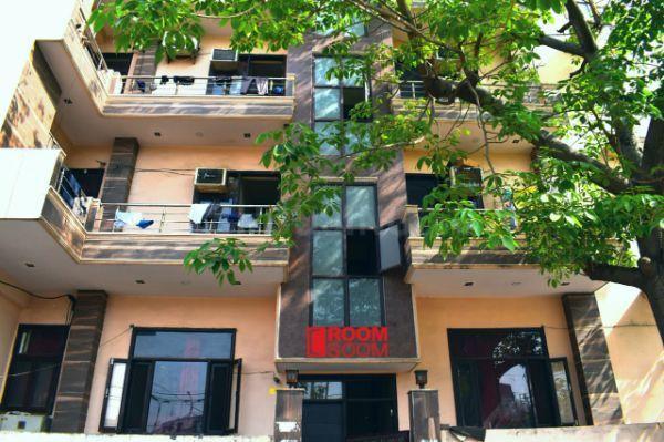 रूमसून इन सेक्टर 19 के बिल्डिंग की तस्वीर