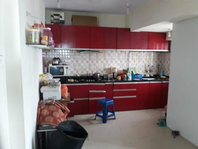 Gallery Cover Image of 1350 Sq.ft 2 BHK Apartment for rent in Kandivali East for 40000