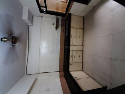 Gallery Cover Image of 1080 Sq.ft 2 BHK Apartment for rent in Malad West for 40000