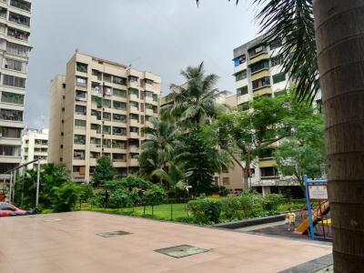 Gallery Cover Image of 860 Sq.ft 2 BHK Apartment for rent in Kandivali East for 36000