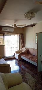 Gallery Cover Image of 950 Sq.ft 2 BHK Apartment for rent in Kandivali East for 38000