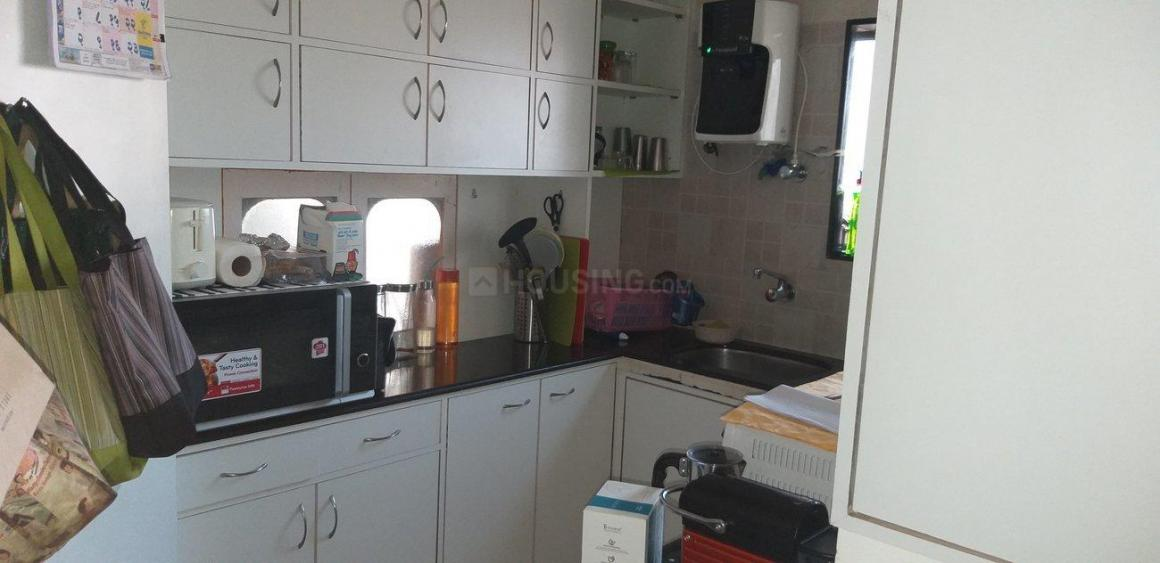 Kitchen Image of 1000 Sq.ft 2 BHK Apartment for rent in Cumballa Hill for 150000