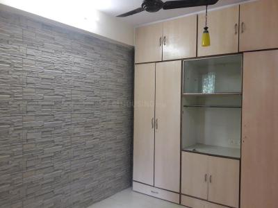 Gallery Cover Image of 350 Sq.ft 1 RK Apartment for rent in Bandra West for 32000