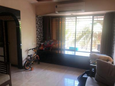 Gallery Cover Image of 615 Sq.ft 1 BHK Apartment for rent in Borivali West for 25000