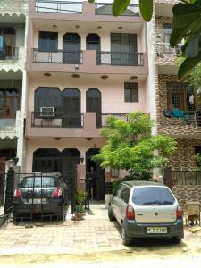 Gallery Cover Image of 1291 Sq.ft 2 BHK Independent Floor for rent in Beta II Greater Noida for 12000