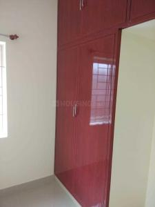 Gallery Cover Image of 1250 Sq.ft 2 BHK Apartment for rent in Selaiyur for 700000