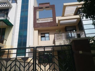 Gallery Cover Image of 3000 Sq.ft 4 BHK Independent House for rent in Sector 57 for 45000