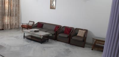 Gallery Cover Image of 1000 Sq.ft 1 BHK Independent Floor for rent in Sector 41 for 18000