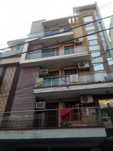 Gallery Cover Image of 1600 Sq.ft 3 BHK Apartment for rent in Bali Nagar for 38000
