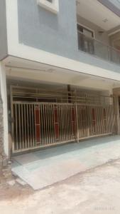 Gallery Cover Image of 1000 Sq.ft 2 BHK Independent Floor for buy in Sector 13 for 4000000