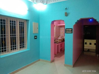 Gallery Cover Image of 1000 Sq.ft 2 BHK Independent House for rent in Tiruvallur for 8000