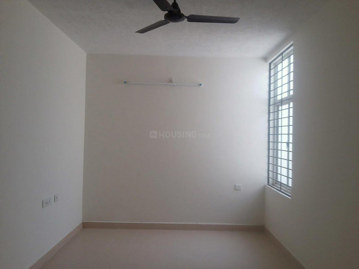 Living Room Image of 718 Sq.ft 2 BHK Apartment for rent in Oragadam for 7000