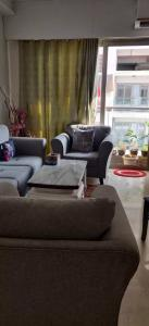 Gallery Cover Image of 1500 Sq.ft 3 BHK Apartment for rent in Adani Western Heights, Andheri West for 135000