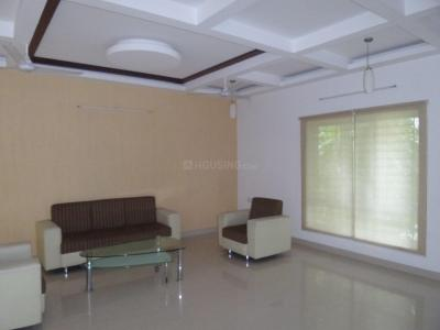 Gallery Cover Image of 4500 Sq.ft 3 BHK Independent House for rent in Neelankarai for 150000