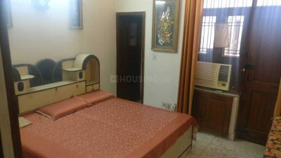 Gallery Cover Image of 500 Sq.ft 1 BHK Independent Floor for rent in Sector 31 for 7500