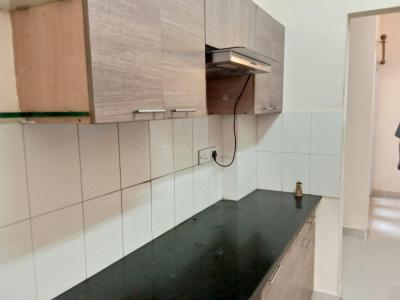 Gallery Cover Image of 1050 Sq.ft 2 BHK Apartment for rent in Velachery for 19000