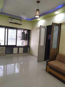 Gallery Cover Image of 450 Sq.ft 1 BHK Apartment for rent in Kandivali East for 19000
