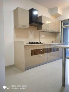 Gallery Cover Image of 980 Sq.ft 2 BHK Apartment for rent in Zara Apartment, Powai for 46500