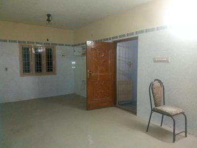 Gallery Cover Image of 1600 Sq.ft 3 BHK Independent Floor for rent in Chromepet for 20000