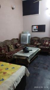 Gallery Cover Image of 1035 Sq.ft 2 BHK Independent House for buy in Pitampura for 5500000