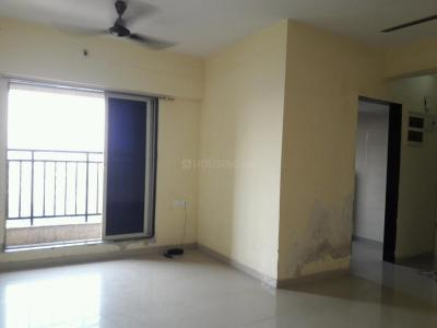 Gallery Cover Image of 940 Sq.ft 2 BHK Apartment for rent in Thane West for 27000