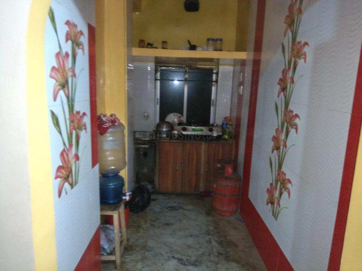 Kitchen Image of 750 Sq.ft 2 BHK Apartment for rent in Keshtopur for 9300
