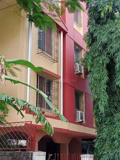 बानेर में लारातन के बिल्डिंग की तस्वीर
