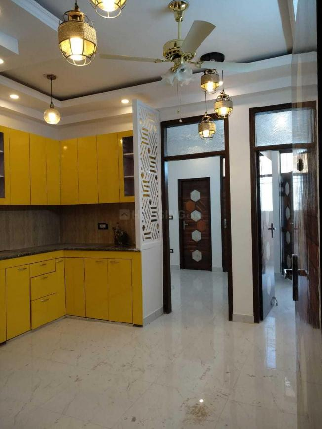 Living Room Image of 1000 Sq.ft 3 BHK Apartment for buy in DLF Ankur Vihar for 2800000